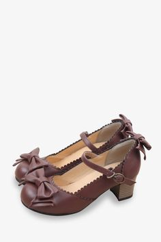 This item is shipped in 48 hours, included the weekends. Wear your bows on your feet with these gorgeous mid heels. The bows shaped on the toe and back and gold buckles makes these shoes the perfect f