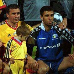 24 Nisan 2001 | Gheorghe Hagi, Ianis Hagi, Hakan Şükür (Hagi'nin Jübile Maçı) #arsivGALA @hakansukur9 #EfsanelerUnutulmaz #Galatasaray #igersGS #Nostalji #ultrAslan #CimBom #GalaNostalji #AvrupaFatihi #cimbombom #GalatasarayNostalji #HakanŞükür #kralhakanşükür #HakanSukur #Gheorghe #Hagi #GheorgheHagi #iloveyouHagi #legendHagi #legendsOFGalatasaray