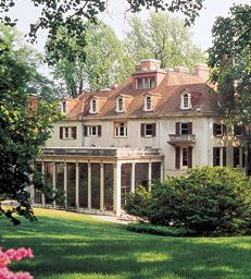 Winterthur Museum & Country Estate, Wilmington, DE, houses the finest collection of American Decorative Arts in America featuring 175 rooms and 90,000 objects set among beautiful gardens.