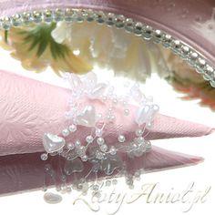 Śliczna dekoracja na stół komunijny - perełki w kształcie serduszek!