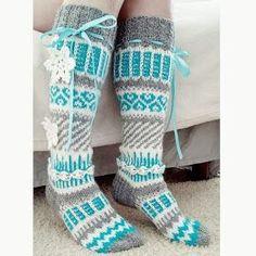 Bilderesultat for anelmaiset Crochet Boot Socks, Wool Socks, Crochet Slippers, Knitting Socks, Knit Boots, Knit Crochet, Knitting Projects, Crochet Projects, Knitting Patterns