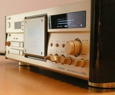 Sony TC-K970ES... The Extremelly Standard , nowdays known as Reference, as before and nos, I do want one...