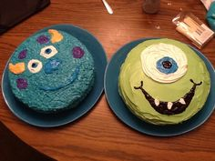 Homemade Parties Made Easy: Mike and Sulley cakes from Monsters inc. Kristen this monsters inc thing should become a thing! Monster Inc Party, Monster Birthday Parties, First Birthday Parties, First Birthdays, Twin First Birthday, 3rd Birthday, Birthday Ideas, Monster Inc Cakes, Mike And Sulley