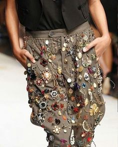 #dolcegabbana #trousers #spring2017 #detailsoftheday #details #trend #trendy #trendystyle #classy #amazing #beautiful #perfect #lookbook #lookofheday #ootd #outfit #outfitinspo #outfitlook #outfitstyle #instafashion #fashion #instamood #instagood #instastyle #styles #stylish #designer #fashiontrend #fashionable #fashiontrend #fashionpost