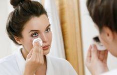 Μάσκα προσώπου που αφαιρεί μαγικά πανάδες, σημάδια ακμής, ρυτίδες από την δεύτερη χρήση της! | Μυστικά ομορφιάς | mystikaomorfias.gr Homemade Makeup Remover, Oil Makeup Remover, Organic Shampoo, Coconut Oil Uses, Beauty Habits, Make Up Remover, Beauty Guide, Personal Hygiene, Face Skin Care