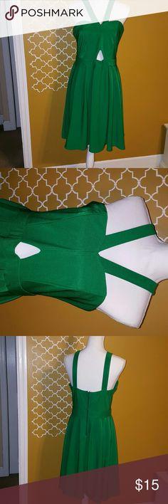 Forever 21 Junior Plus  Party Dress (Size 13/14) Cute Green  Dress Dresses Midi
