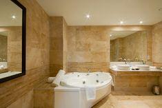 Large marble bathroom with multiple mirrors and large white jacuzzi bathtub Modern Luxury Bathroom, Modern Bathrooms Interior, Bathroom Design Luxury, Bathroom Designs, Luxury Bathrooms, Modern Interior, Interior Design, Travertine Bathroom, Natural Stone Bathroom