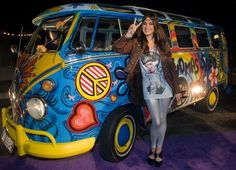 flower power vw bus, why would anyone not want to drive this?