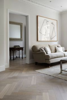 parquet flooring Parquet floor inspiration for a recently renovated house and tips and tricks on how to lay a herringbone floor yourself for Rock My Style DIY Week Planchers En Chevrons, Floor Design, House Design, Living Room Designs, Living Room Decor, Living Area, Herringbone Wood Floor, White Oak Floors, Living Room Flooring