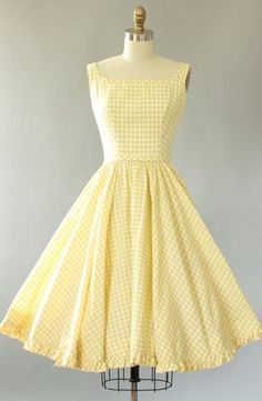 Vintage Lanz light yellow gingham print cotton sundress with AMAZING low bac. - - Vintage Lanz light yellow gingham print cotton sundress with AMAZING low back. Matching waist tie is attached and secures in back. Full 2019 New C. Rockabilly Mode, Rockabilly Fashion, 1950s Fashion, Vintage Fashion, Club Fashion, Emo Fashion, Lolita Fashion, Dress Fashion, Fashion Boots