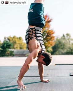 How do YOU #WeightVestWednesday?  CrossFit Games Athlete, @zcarchedi shows off his handstand walking skills in the #Hyperwear #HyperVestPRO! #CrossFit #weightvest #weightedvest #weightvesttraining ・・・ 📷 @kelleyphotofit