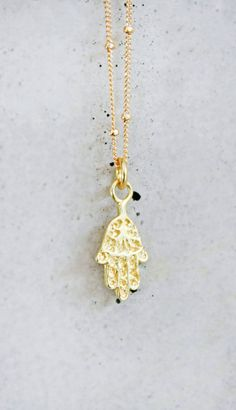gold hamsa