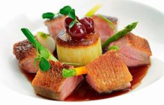 Honey-roasted breast of duck with griottine cherries Roasted Duck Recipes, Vegetables For Babies, Great British Chefs, Cabbage And Bacon, Roast Duck, Cherry Recipes, Food Presentation, Cooking Recipes, Cooking Ideas