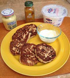 50Peach Clean Eats - #Paleo Salmon Cakes with Creamy Curry Yogurt Sauce #glutenfree #shakeomugcake