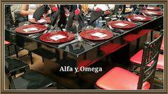 Montajes espectaculares Contrate con nosotros todo lo que necesite para su evento! Mesas, redondas, bajaplatos de cristal variados, mesas laqueadas negras y blancas, mantelería de rosetones, sillas chiavari en colores y transparentes. Visítenos hoy en Portal de Bodas Guatemala o llámenos al 23341275-25051000  Web www.alfayomegaeventos.com Solo en Alfa y Omega alquileres y banquetes