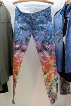 YES we& still loving printed jeans! Crystal print by 7 For All Mankind autumn/winter World Trends, Printed Denim, Colourful Outfits, Chambray, Print Patterns, Kimono Top, Street Style, Autumn, Crystal