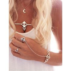 Carved Crystal Set-In Hand Chain ($4.99) ❤ liked on Polyvore featuring jewelry, silver, crystal stone jewelry, crystal jewellery, carved jewelry, crystal jewelry and vintage jewellery