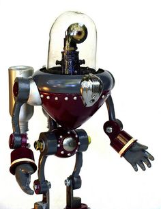 From San Diego's Dan Jones (aka Tinkerbots), a rather lovely junkbot called HUDSON, found in the Boing Boing Flickr Pool.
