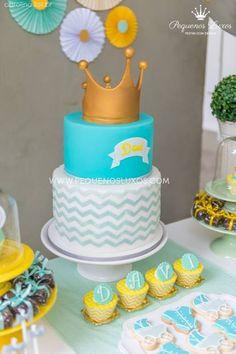 festa chevron amarelo cinza verde coroa menino party gray yellow chevron green boy crown cake pop cupcake Raka Minelli cake boy baby bolo chá de bebe menino