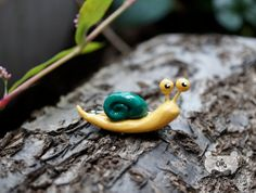 Snail brooch, snail jewelry, snail accessories, cute snail pin back, kawaii polymer clay charm