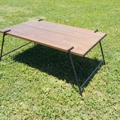 Camping Table - Camping Is Simple When You Know How Pool Patio Furniture, Diy Outdoor Furniture, Metal Furniture, Diy Furniture, Furniture Design, Camping Table, Diy Camping, Picnic Table, Scaffold Table