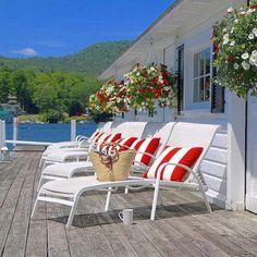 beach.quenalbertini: Lake house