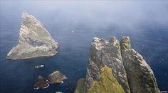 Sea stacs off Boreray St Kilda Scotland, Outer Hebrides, Scottish Castles, Moving Day, Scotland Travel, Archipelago, Far Away, World Heritage Sites, Britain