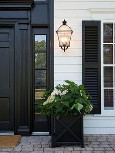 51 New Ideas For Farmhouse Front Door Curb Appeal Exterior Paint Design Exterior, Exterior Paint Colors, Exterior House Colors, Paint Colors For Home, Wall Exterior, Exterior Shutters, Exterior Stairs, Black Exterior Doors, Gray Exterior