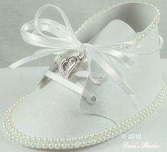 http://tarascraftstudio.com/wp-content/uploads/2012/07/Taras-Studio-Baby-Shoe-July12012-img24.jpg