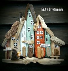 Minisize driftwood town, houses, designed by EVAs. Minisize driftwood town, houses, designed by EVAs. Sea Crafts, Nature Crafts, Home Crafts, Diy And Crafts, Driftwood Sculpture, Driftwood Art, Wooden Art, Wooden Crafts, Craft Projects For Adults