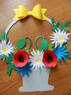 Fun Flower Craft Baby Mobile As Flower Chandelier Nursery Mobile For Elegant Baby Bedroom Decor Part 2 9 Preschool Crafts, Easter Crafts, Diy And Crafts, Crafts For Kids, Arts And Crafts, Mother's Day Projects, Flower Chandelier, Art N Craft, Mothers Day Crafts