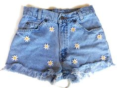 """Love these highwaisted floral denim shorts """"Daisies Original"""" by queendenim High Rise Shorts, High Waisted Shorts, Denim Shorts, Waisted Denim, Short Shorts, Looks Adidas, Painted Shorts, Hipster Jeans, Summer Outfits"""