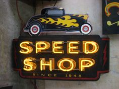 Roadhouse Relics | Vintage Neon Designs Made in Austin, Tx