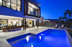 Stunning Outdoor Area And Pool At Cu0027est La Vie   Luxury Gold Coast Holiday