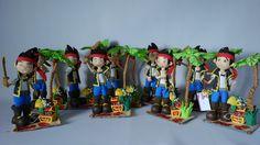 Fofucho Centros de mesa Jake de la serie de Disney Channel Jake y los piratas de Nunca Jamás Figura de foamy basada en el popular personaje de  altura aprox. de 34 cms.  Mis diseños no son iguales y se distinguen por su calidad y presentación