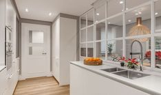 Grid design w glass open kitchen partition Kitchen Banquette, Kitchen Dining, Kitchen Decor, Smart Kitchen, Open Kitchen, Kitchen Room Design, Kitchen Interior, Interior Windows, Glass Kitchen