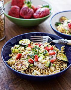 Zucchini-Macadamia crunched Pasta – my vegan spring inspiration!