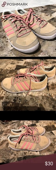 new style 54641 30dab adidas Daroga Leather Outdoor Shoe size 13.5 Gorgeous tan suede with dusty  pink laces. These