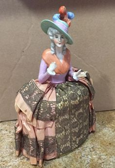 Half Doll Lady With Green Hat With Feathers On Powder Box. 8062. Beautiful