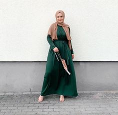 Long Dress Outfits For Hijab Fashion - image:@svly.hsnl - Perfect Dress For Hijab Fashion For Fall And Winter With Long Sleeves And Long Pleated Skirt - Party Hijab Dress - Simple Hijab Dress - Casual Hijab Fashion Dress #longsleevedress #hijabfashion #hijaboutfit #winteroutfits #modestdresses #pleateddress