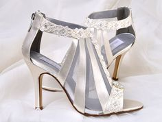 ♥ CURRENT BRIDAL SHOES TURNAROUND TIME:  http://www.etsy.com/shop/pink2blue/policy    The listing below is for a RUSH ORDER service... this is not for