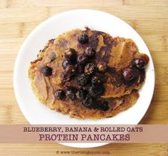 Blueberry, Banana & Rolled Oats Protein Pancakes | www.therisingspoon.com