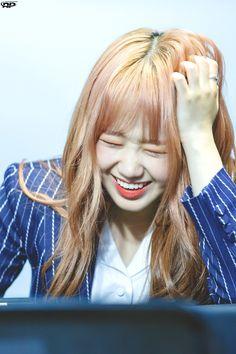 Choi Yoojung, Idol, Singer, Actresses, Long Hair Styles, Beauty, Female Actresses, Singers, Long Hairstyle