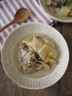 水は加えずに、牡蠣のうまみたっぷりのクリーム煮にしました。生クリームはいれなくても濃厚。ごはんにかけても美味しいですよ。
