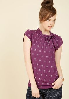 I love the cute fox print and the sweet bow detail on the neckline! (Color is awesome too! Warm purple yay!)