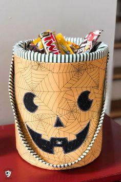 DIY Halloween Bucket Sewing Pattern | The Polka Dot Chair Diy Halloween Buckets, Fun Halloween Crafts, Fun Diy Crafts, Halloween Ideas, Halloween Applique, Halloween Sewing, Applique Patterns, Sewing Patterns, Quilt Patterns