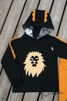Leijonahuppari, koko 104. Leijonan kuva painettu Emon kangasväreillä. Hoodies, Sweatshirts, Nike Jacket, Lion, Athletic, Sweaters, Jackets, Fashion, Leo