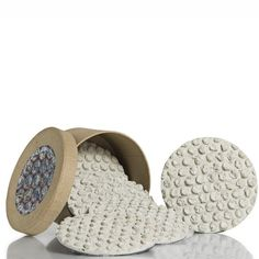 Bubble wrap is the new duct tape, u can use it 4 anything! Like these cement coasters  - who would have thought?