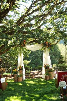 50 Beautiful Backyard Wedding Decor Ideas To Get A Romantic Impression is part of Wedding backyard reception In the event that you will have an outside wedding at your home it is basic that you init - Wedding Reception Ideas, Wedding Ceremony Decorations, Marriage Decoration, Backdrop Wedding, Diy Wedding, Wedding Outdoor Ceremony, Wedding Hair, Wedding Venues, Reception Backdrop