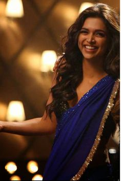 batameez-dil-deepika-padukone-replica-saree-with-blouse-unstitched.jpg (600×900)